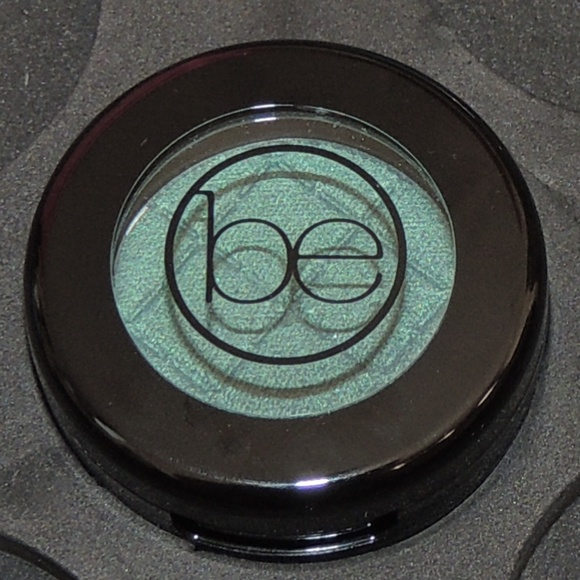 beauticontrol Other - Beauticontrol color impact eyeshadow - Peacock